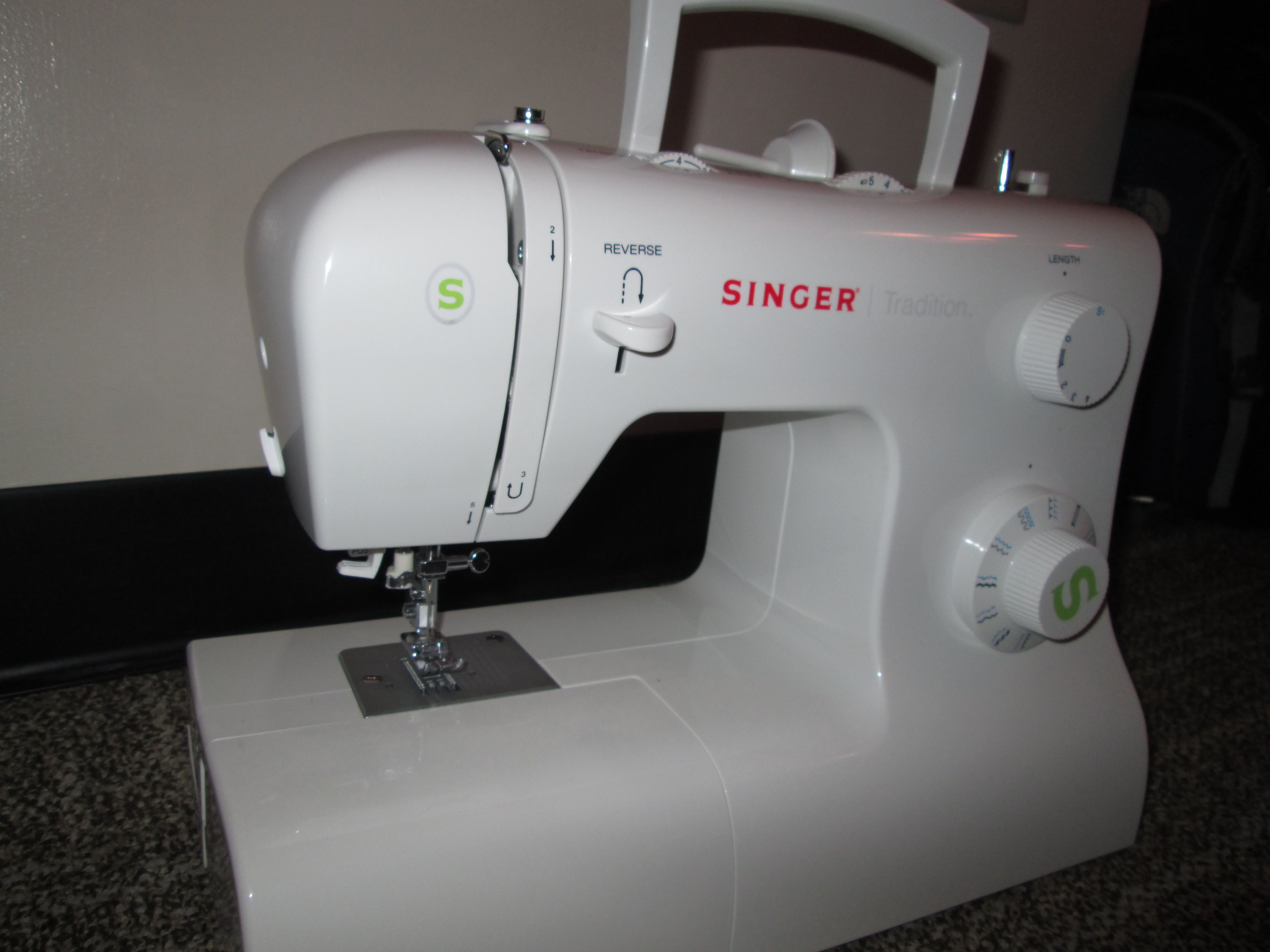 learn how to usea sewing machine