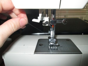 Setting up your sewing machine properly is important for any beginner learning to sew on a sewing machine - Sew Me Your Stuff