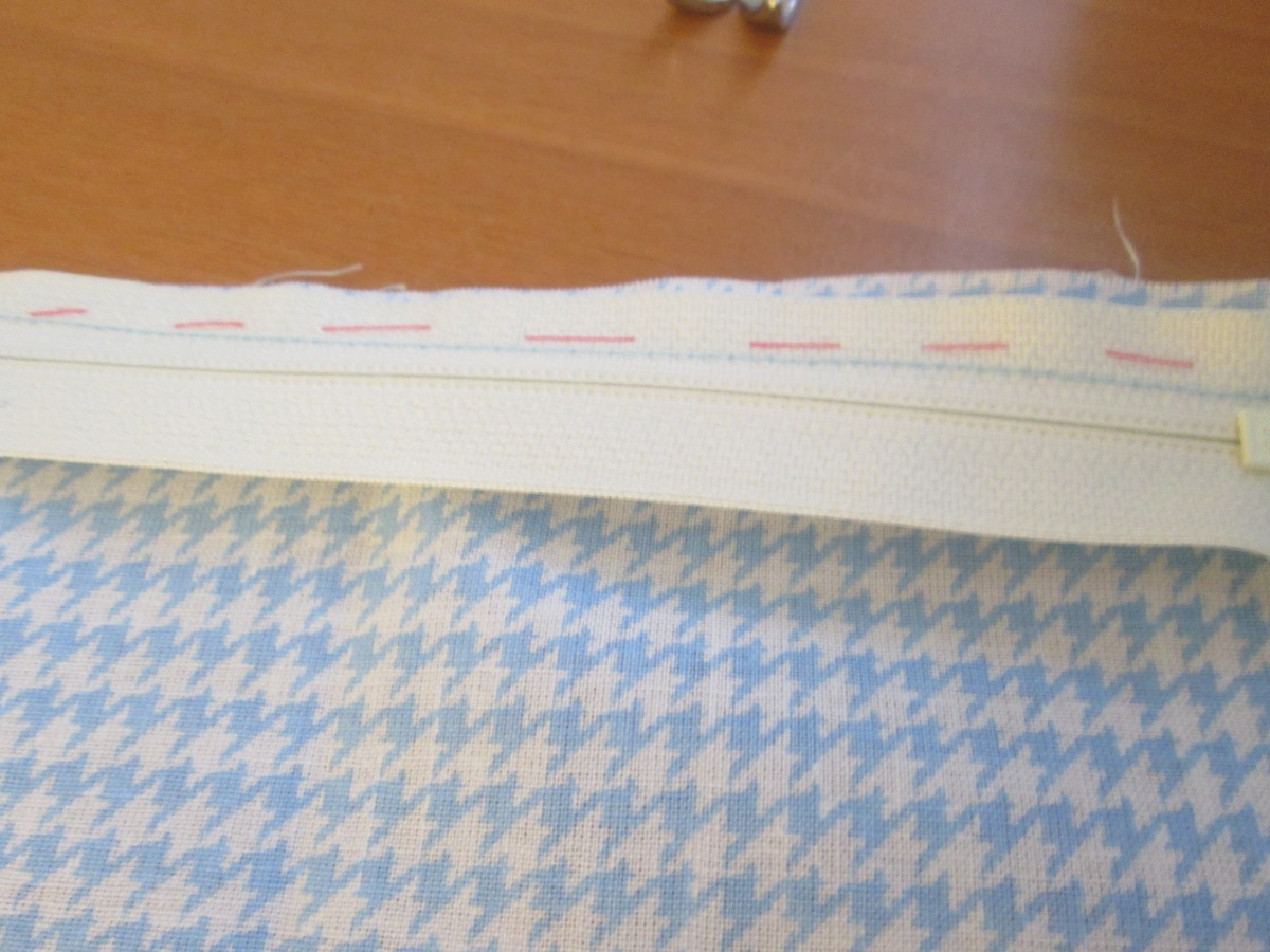 Sewing basting stitches comes in handy for a beginner learning how to sew - Sew Me Your Stuff